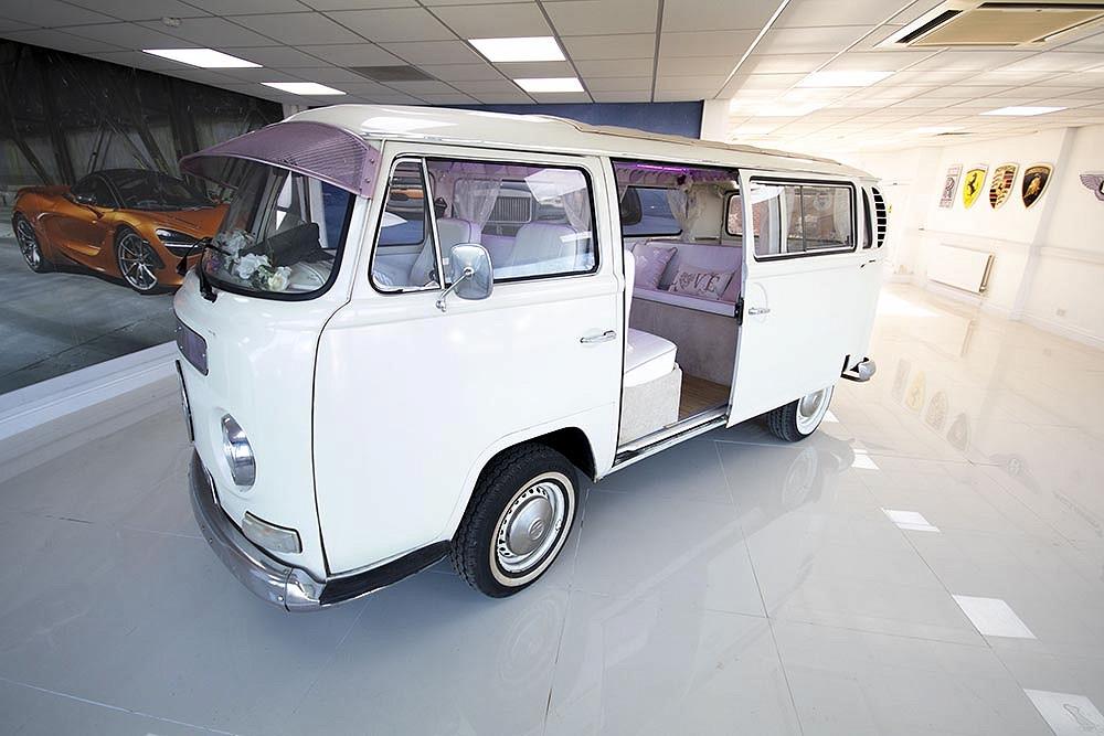 fcaa4fdb106db6 Volkswagen Camper Van front side with door open ...